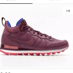 Nike premium internationalist maroon